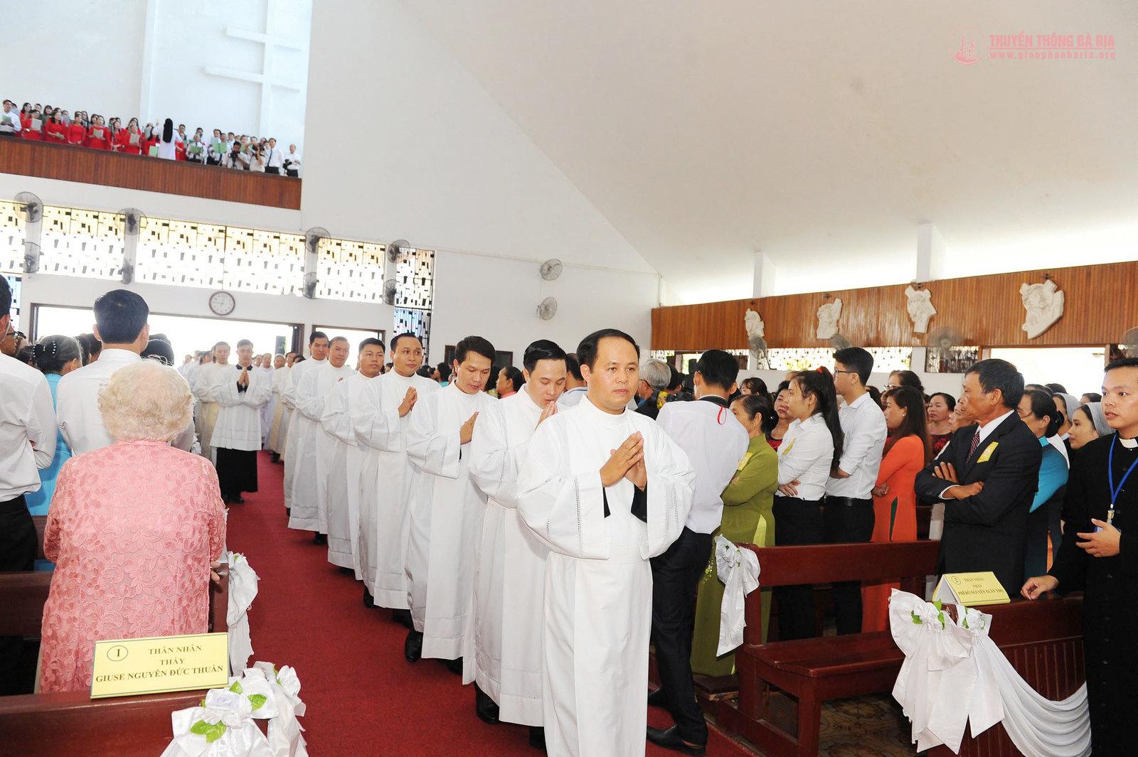 Thánh lễ truyền chức Phó tế – Gp Bà Rịa - Ảnh minh hoạ 10