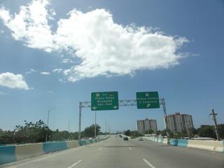 DSC01665 - PR-12, viajando hacia el Sur, al norte de la salida hacia la PR-133 (Calle Comercio), en Ponce, PR