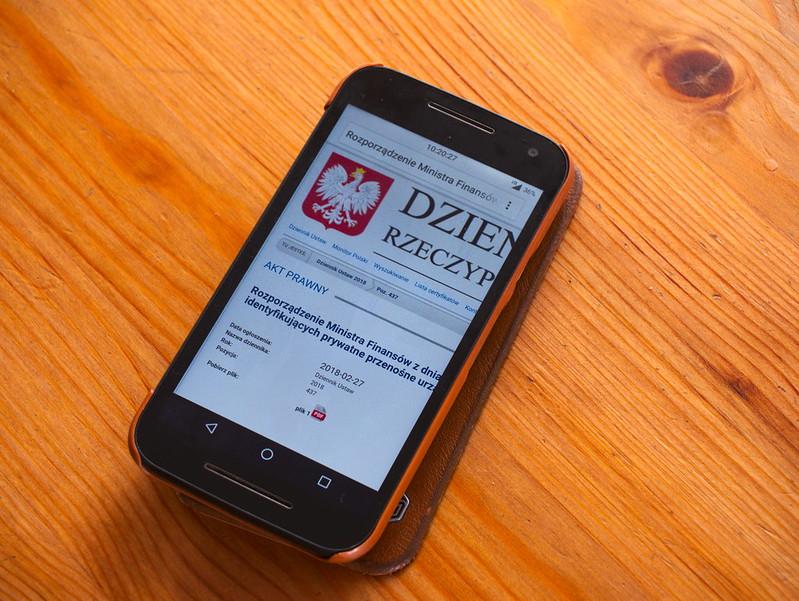 prywatny telefon tablet funkcjonariusza KAS