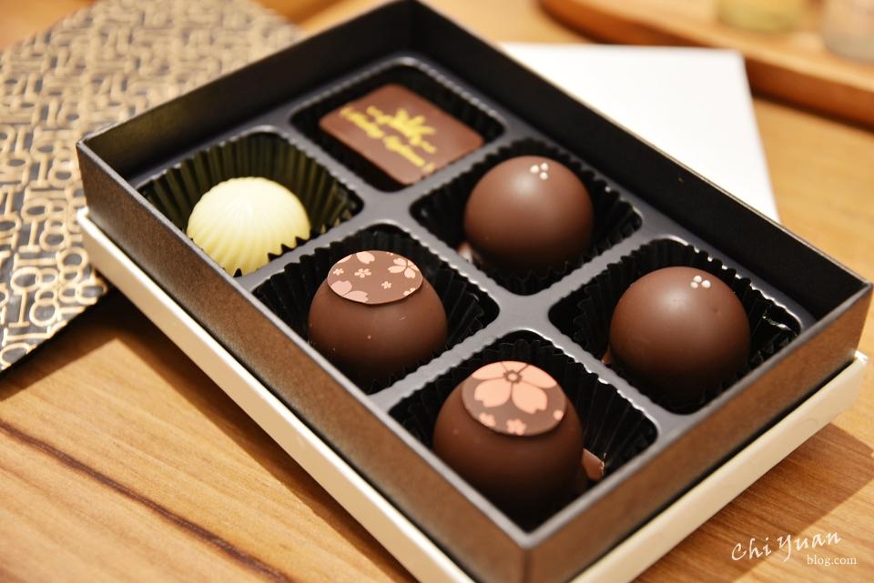 [南投]埔里18度C巧克力工房Feeling18。歷久永恆的酒心巧克力,珍藏禮盒包裝