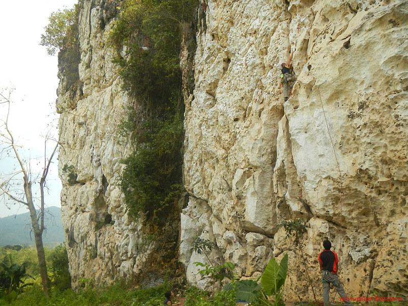 Rock Climbing in Poog Crag