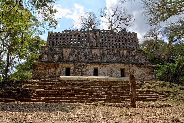 Maya temple in Yaxchilán site