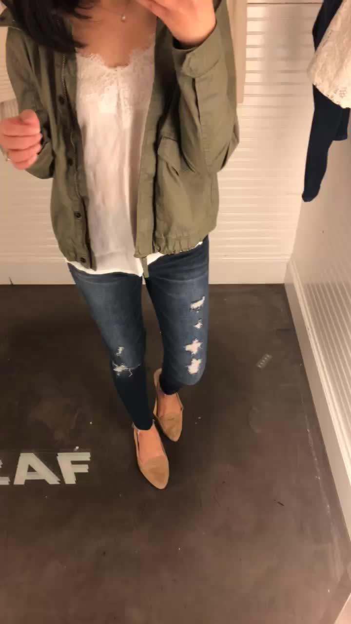 Abercrombie Harper Low-Rise Ankle Jeans in ripped dark wash, size 25 regular