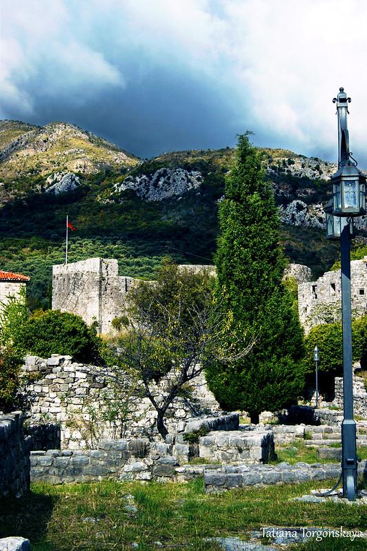 Пейзаж с Цитаделью Старого Бара