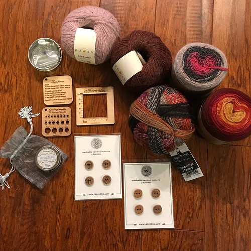 #28daysofyourlys Day 20: Circles + Squares - We see circles and squares everywhere! We love Rowan Felted Tweed and Hikoo's Concentric which is 100% alpaca, Zauberball Starke 6, Eucalan's Wrapture Balm, Katrinkles' Gauge Swatch, and Buttons