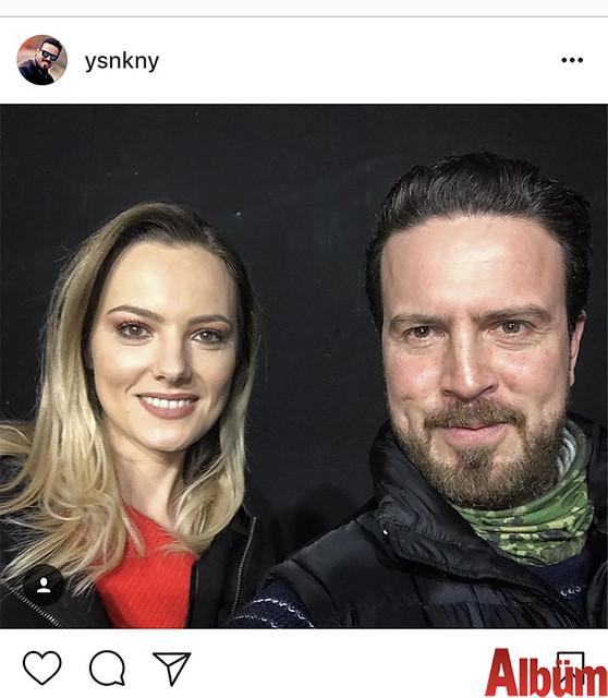 Tiyatrocu Yasin Kınay, Alanya'ya bir tiyatro oyununun ekibiyle birlikte gelen güzel yıldız Şebnem Schaefer ile birlikte öz çekim yaptı.