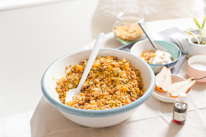 Turmeric Granola with Goldenberry