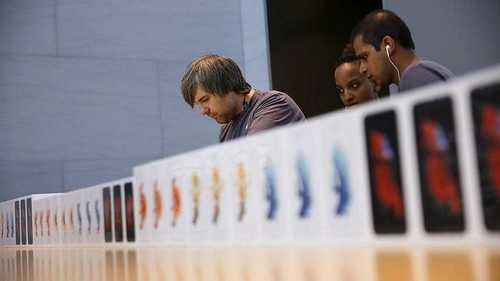 Slowing iPhones: Right here Are All of the Lawsuits Apple Faces Over Not too long ago Revealed 'Function'