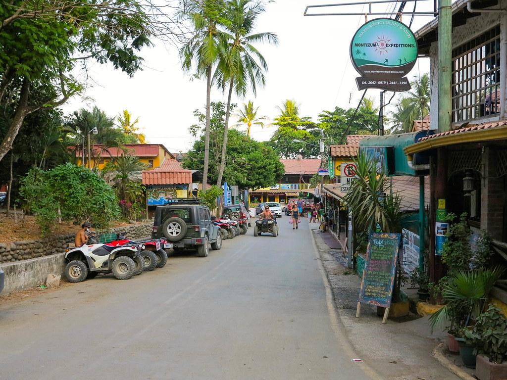 Calle principal de Montezuma