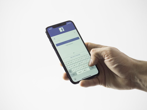 Facebook ads, Facebook