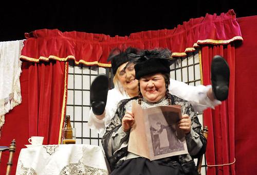 Mer än Judit och Judit. Strindbergs Den Starkare är ett samarbete med Pernilla Parszyk.