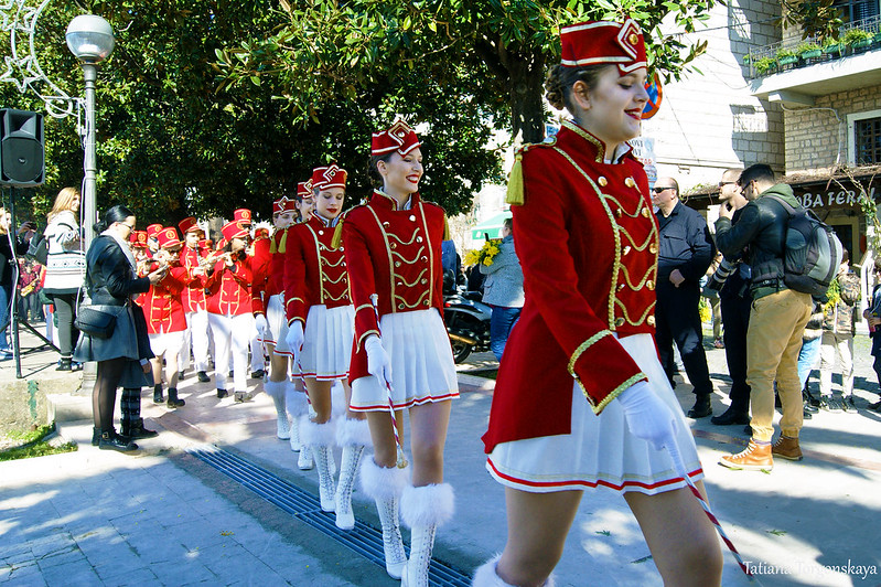 Мажоретки на фестивале в Шквере