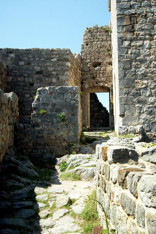 Развалины в верхней части Старого города Бара