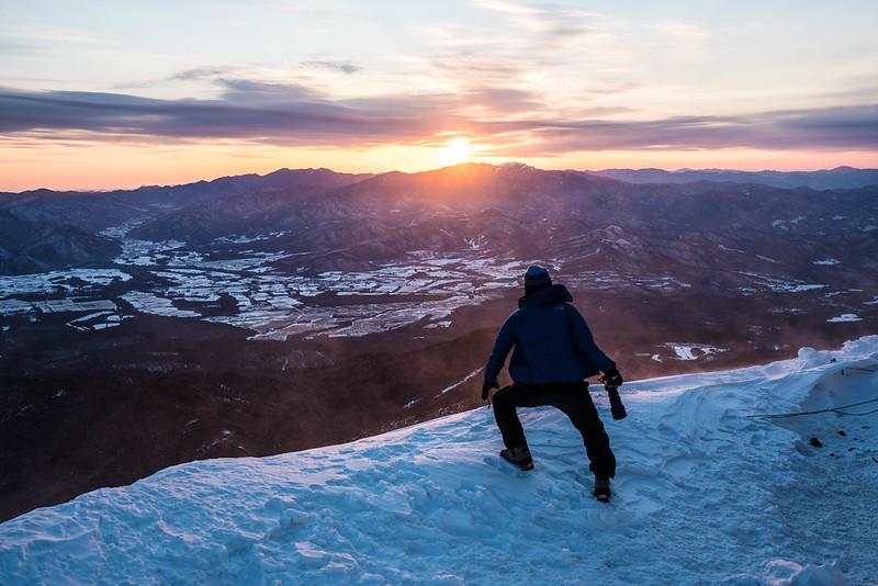 冬の赤岳天望荘から朝日(八ヶ岳)