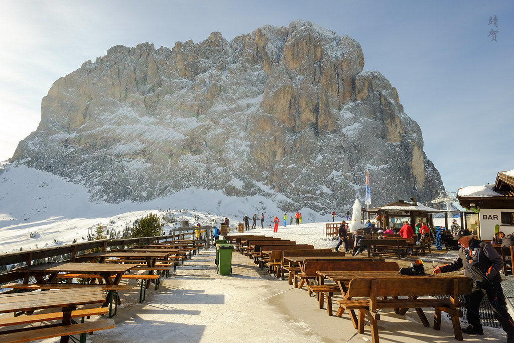 Outdoor patio at Piz Sella