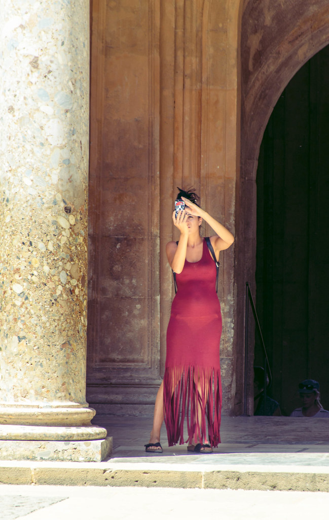 La Fotografa Del Vestido Rojo Deytano Velde1 Flickr