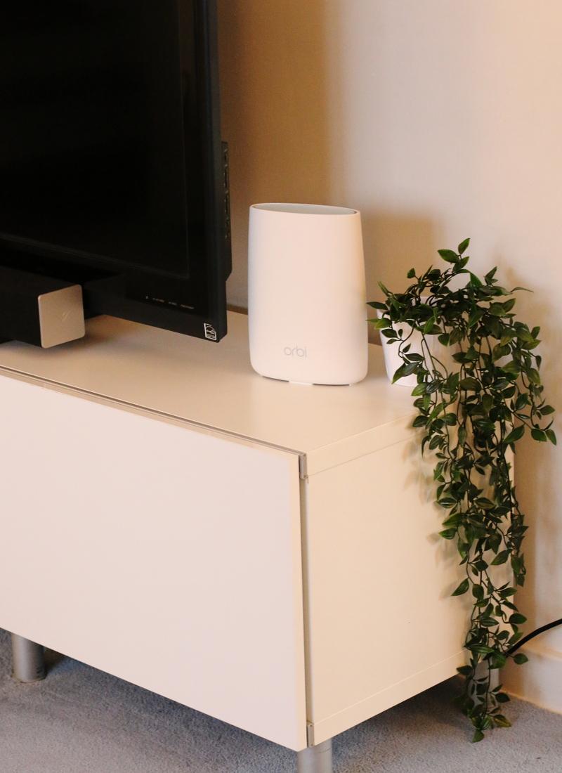 orbi-netgear-router-device-tech-1