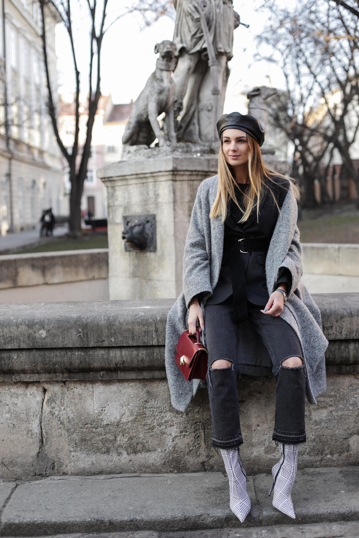 uversized-coat-layering-street-style