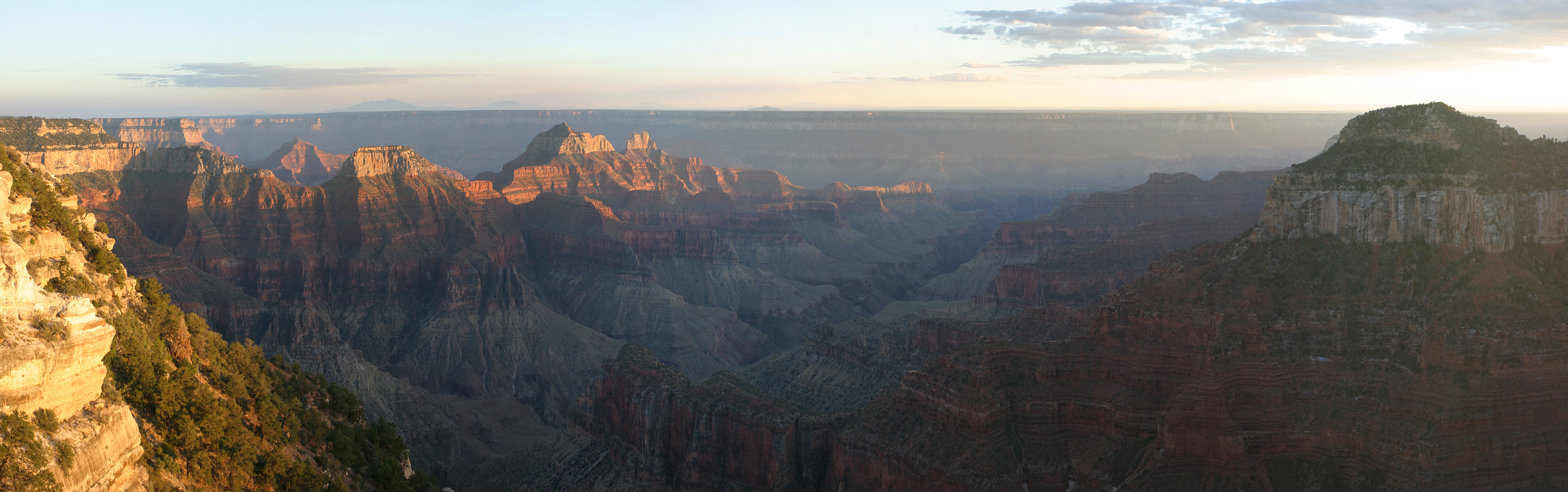 A panoramic view of the Grand Canyon from the North Rim. Photo taken on September 26, 2004.