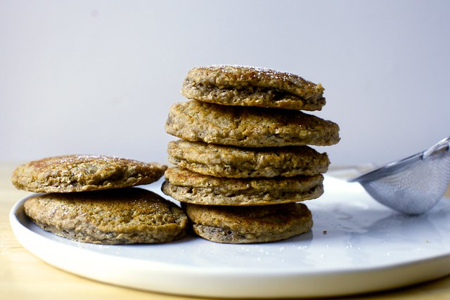 quick banana oat weekday pancakes