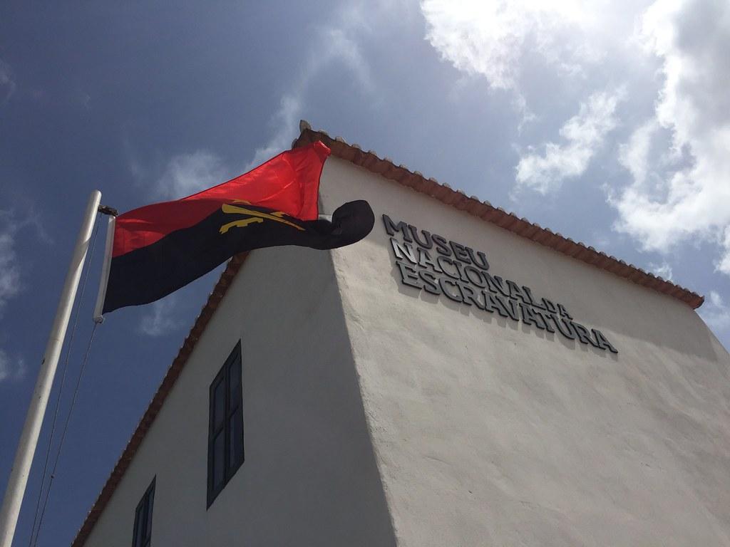 Museu Nacional da Escravatura, Samba, National Museum of Slavery Angola https://en.wikipedia.org/wiki/National_Museum_of_Slavery_(Angola) http://www.hoteisangola.com/nao-perder/museu-nacional-escravatura.html