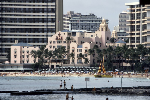Royal Hawaiian Hotel, Honolulu - Kodachrome - 1986
