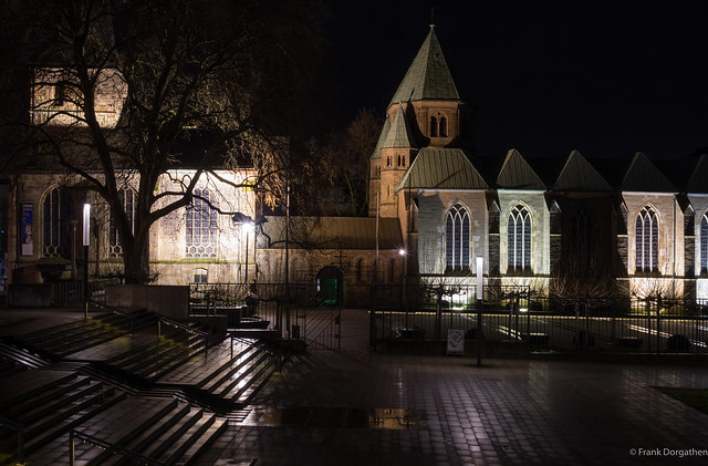 Essen cathedral, Sony DSC-RX10M2, 24-200mm F2.8