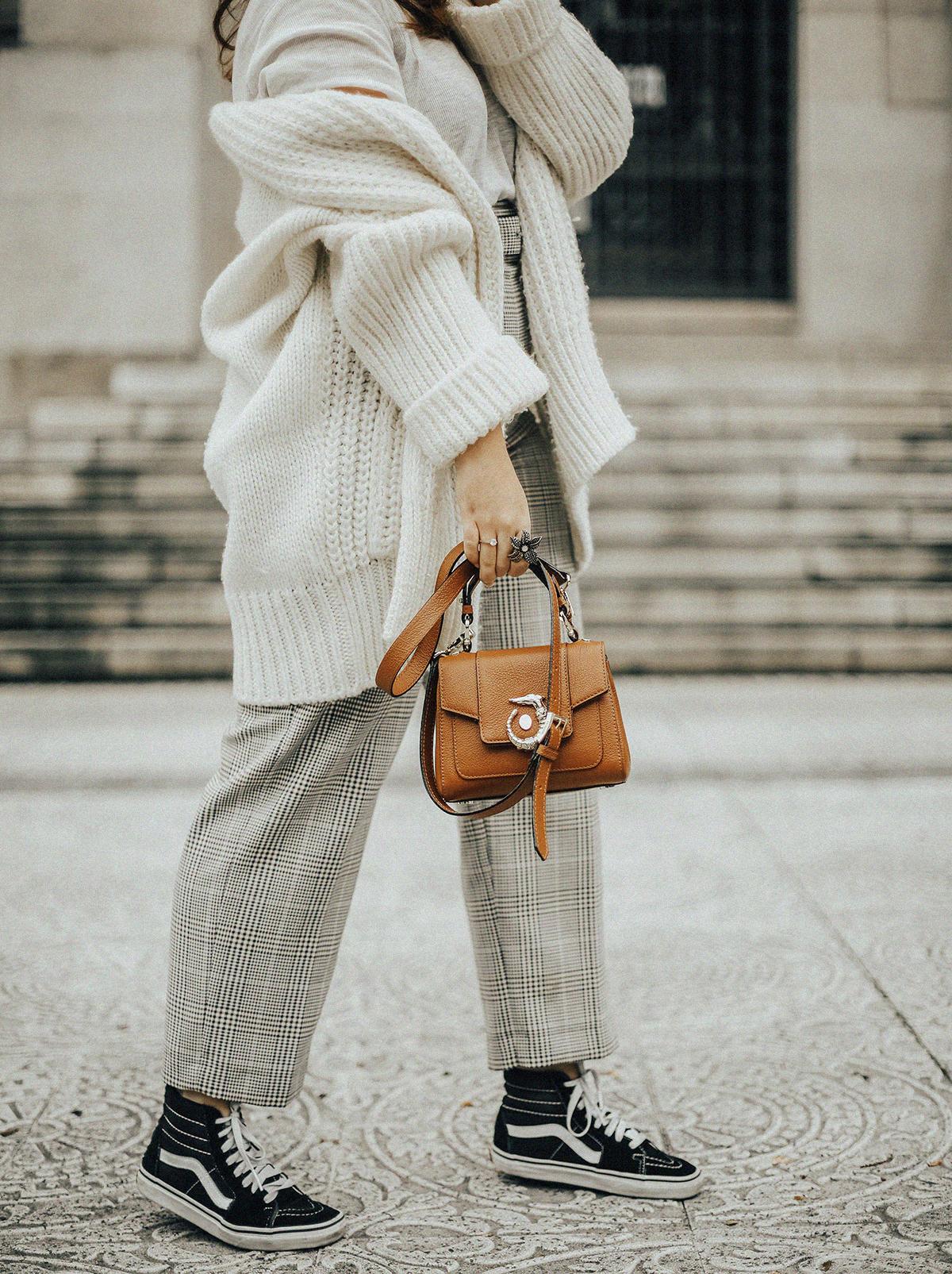 pantalones-cuadros-tiro-alto-streetstyle-trussardi-lovy-bag-myblueberrynightsblog2