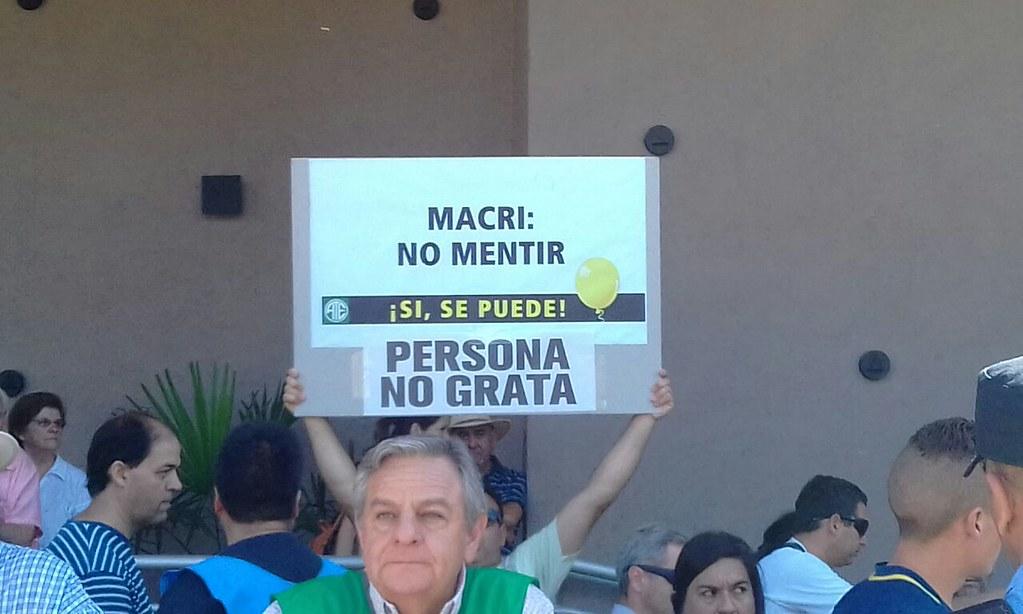 Protestas en San Rafael en una visita de Macri