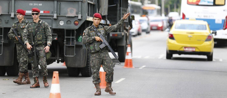 Um Rio de lágrimas, por Helvecio Santos, intervenção militar no RJ