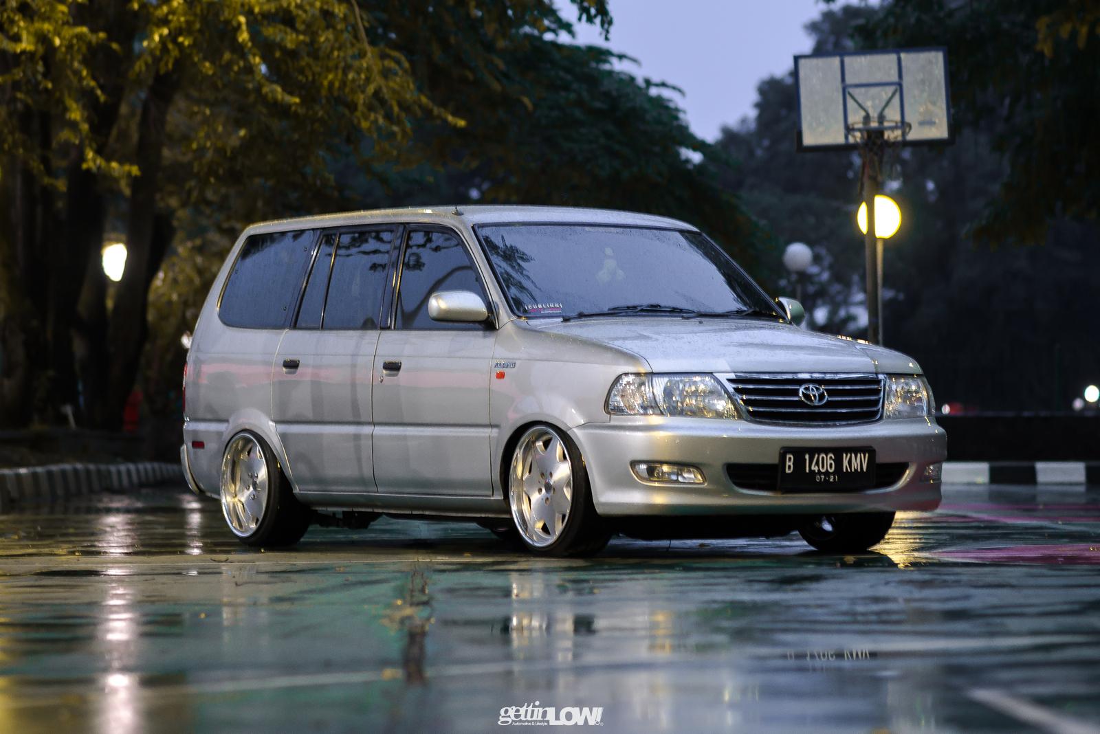 Topan Toyota Kijang Kapsul