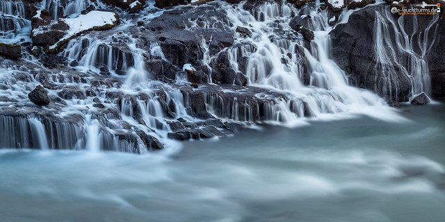 Water out of the rocks