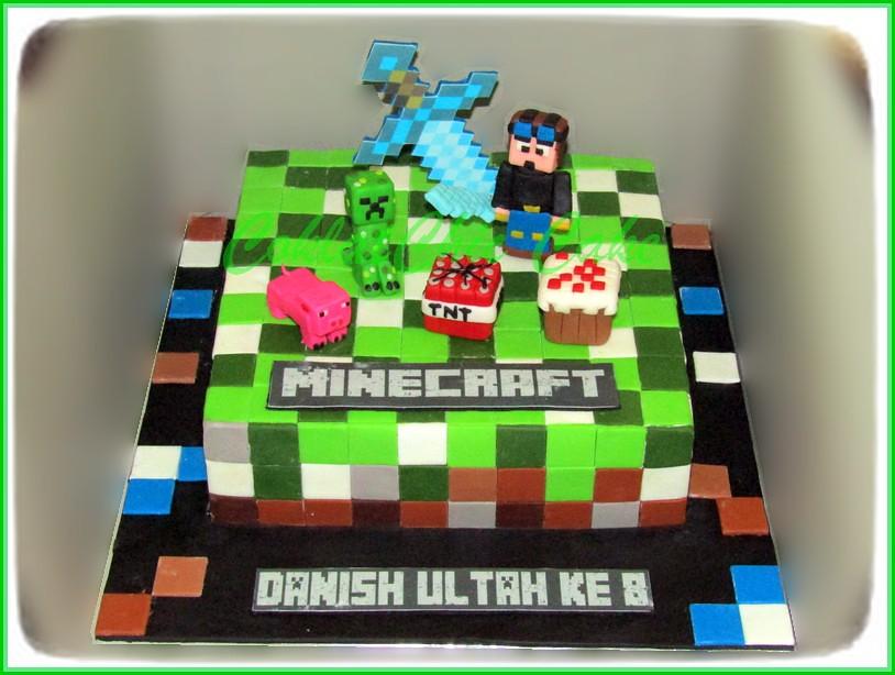 Cake Minecraft DANISH 20 cm