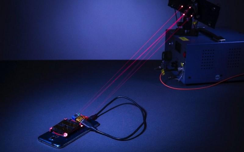 Une nouvelle technologie de recharge des smartphones utilise un laser