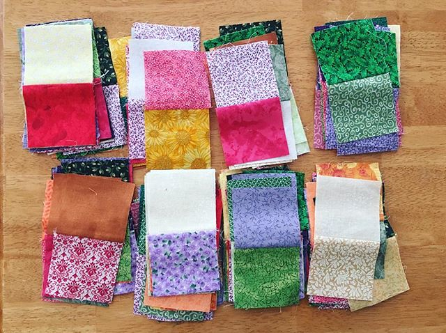 Sewed all the random squares into pairs. Now to sew the pairs into tetrads. #quilting