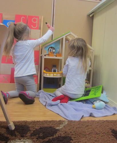 doll house play