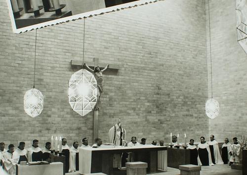 25 de marzo de 1965 - Día de la inauguración [28] - Esto es mi cuerpo. Esta es mi sangre.