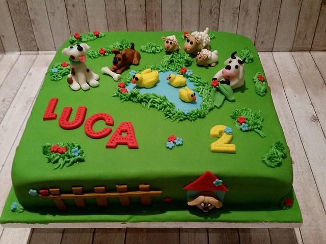 Cake by Fantesia Cakes