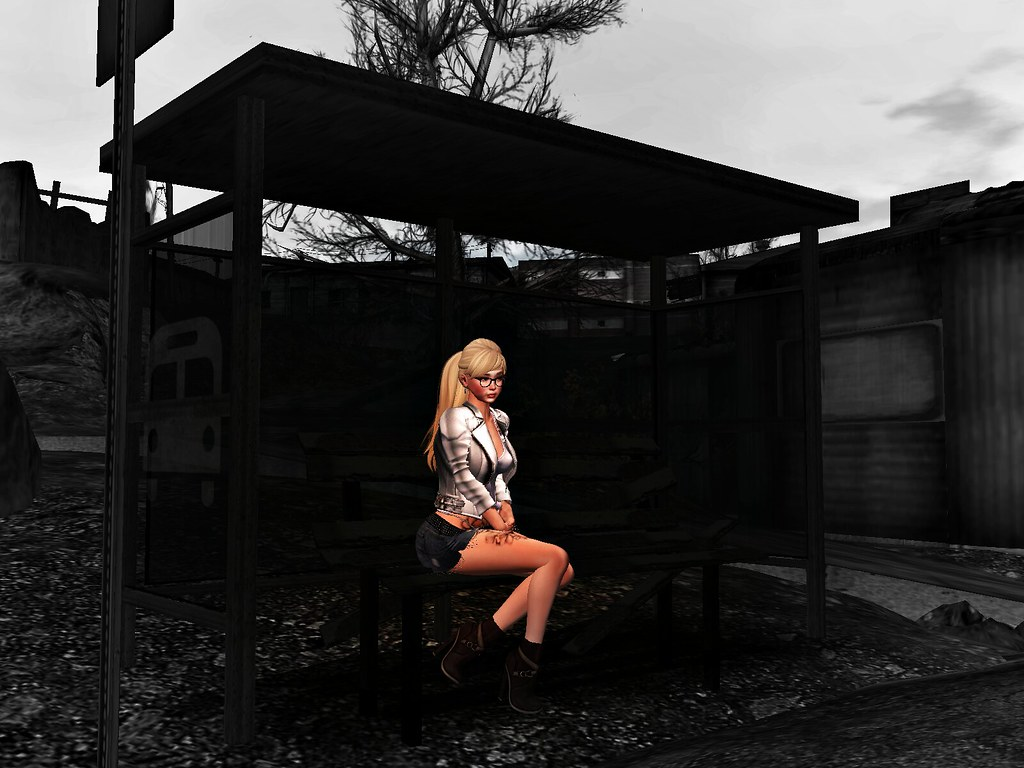rea-thecrackden-wharf bus stop