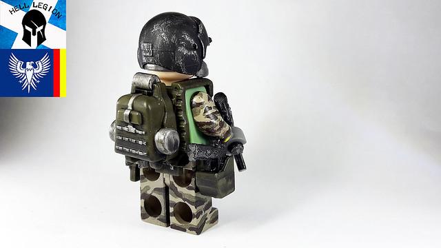 [MOC] Custom and Custom Painted Figures 39380602315_e27e7ab65d_z