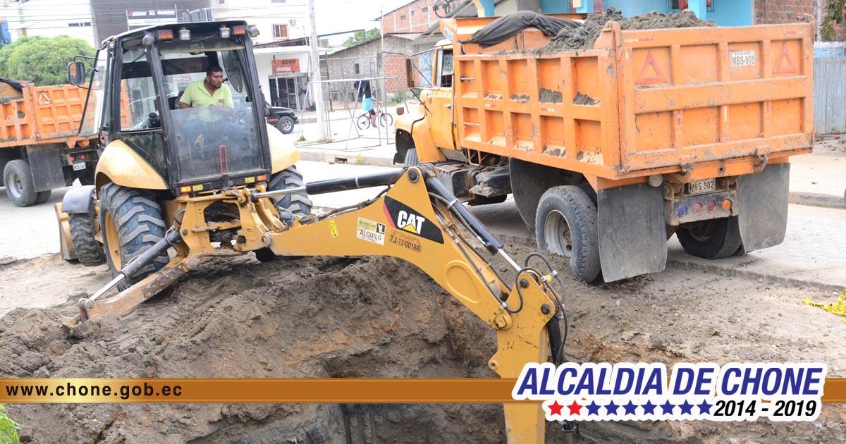Rehabilitación emergente del sistema de aguas servidas de varios sectores de Chone