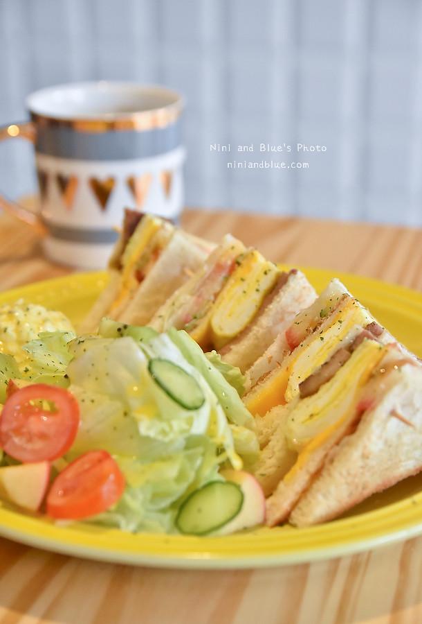 台中D.M cafe 青海路10