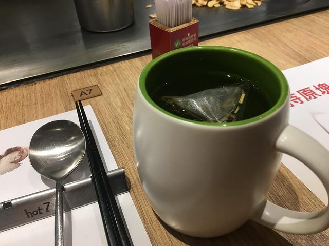 下雨天,喝杯熱的包種茶@桃園hot 7新鉄板料理