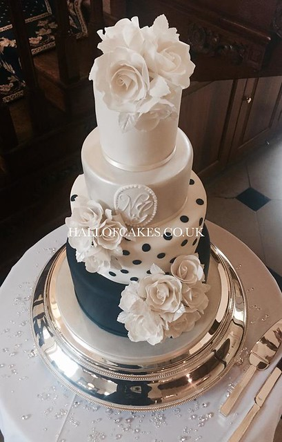 Cake by Hall of Cakes