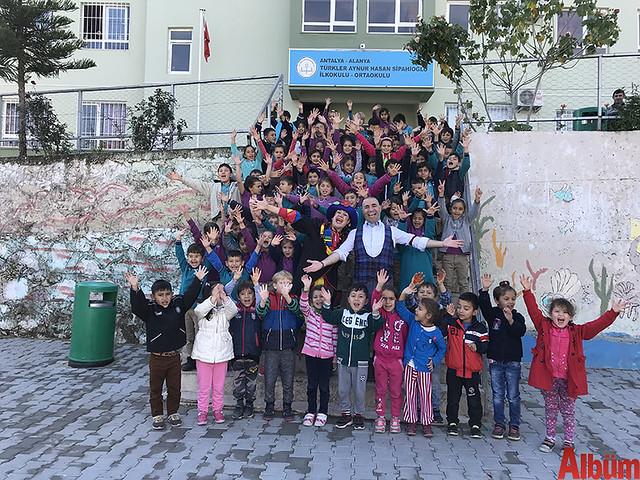 """Alanya Belediye Tiyatrosu Çocuk Birimi tarafından gerçekleştirilen """" Orada Bir Köy Var Uzakta"""" projesi 4. yılında"""
