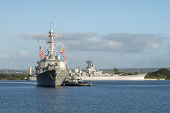 USS Hopper (DDG 70) approaches the piers at Joint Base Pearl Harbor-Hickam, Feb. 9. (U.S. Navy/MC1 Corwin Colbert)