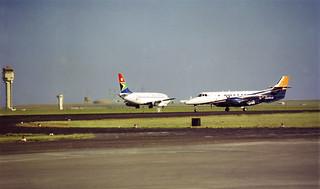 SA Airlink Jetstream 41 and SAA B737-200