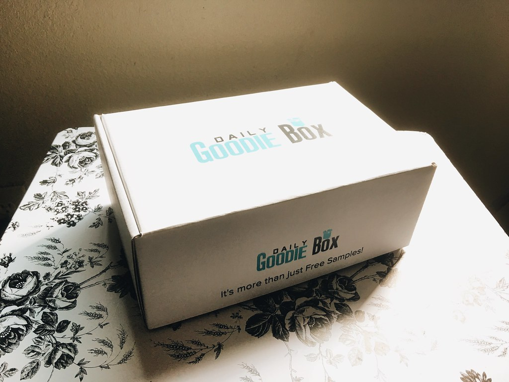 Daily Goodie Box: January 2018 Products and Review