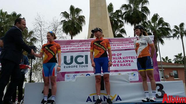'Tour Of Eftalia Hotels & Velo Alanya Kadın Yol Bisiklet Yarışı Olga Zabelinskaya kazandı -2