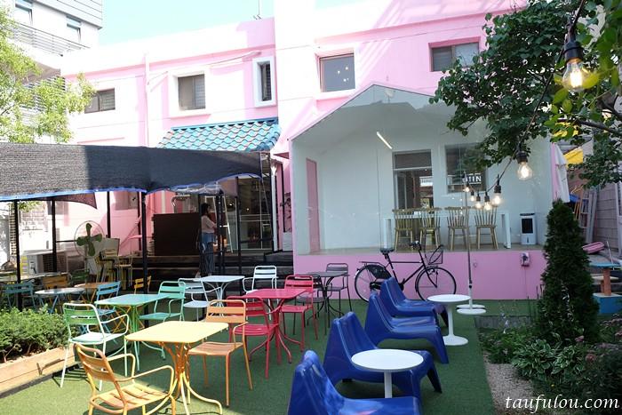 Menon Pink House (12)